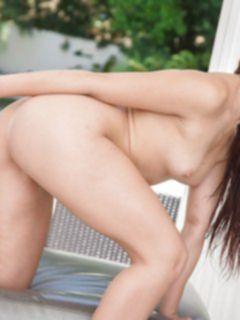 Секси попка красивой латинки Mandy Muse