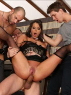 Групповой анальный секс с вагинальным оргазмом
