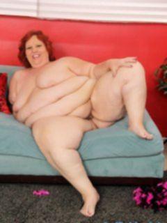 Очень толстая жирная баба в возрасте